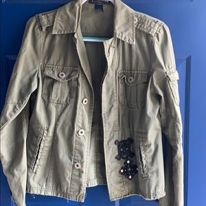 Army green light jacket with skull